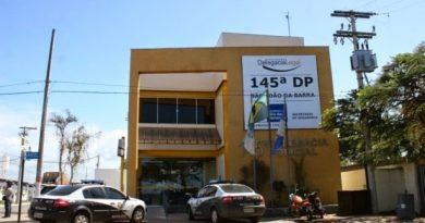Pastor suspeito de matar jovem se entrega na delegacia de SJB