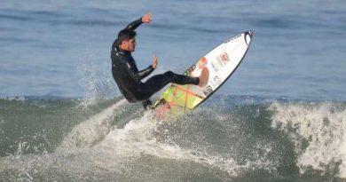 Gabriel Medina vence semifinal e conquista bicampeonato mundial de surfe