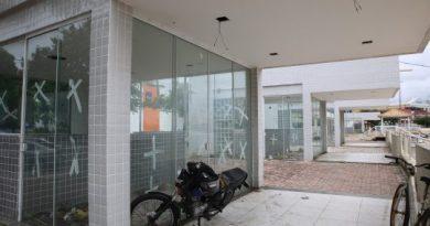 Quiosque da Orla II vira acomodação de lavadores de carros e população de rua no governo Rafael Diniz