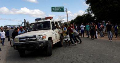 Confrontos na fronteira com a Venezuela deixam 2 mortos e 15 feridos