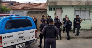 Três são presos e polícia cumpre mandados de prisão contra traficantes de armas e drogas em Campos