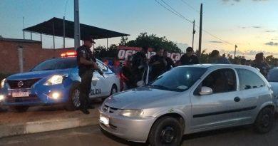 Jovem é assassinado a tiros dentro de carro em Guarus