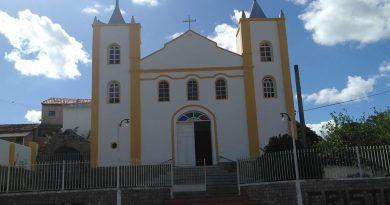 Igreja é alvo de vandalismo e furto em Campos